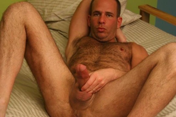 my-first-daddy-scott-spears-wanking-in-bed